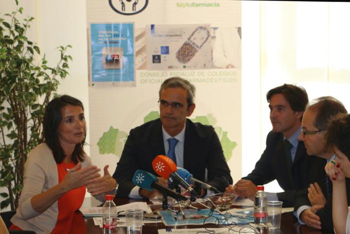 El Consejo Andaluz de Colegios de Farmacéuticos y el programa PIRASOA promueven conjuntamente un programa de formación pionero en la lucha contra las resistencias antimicrobianas