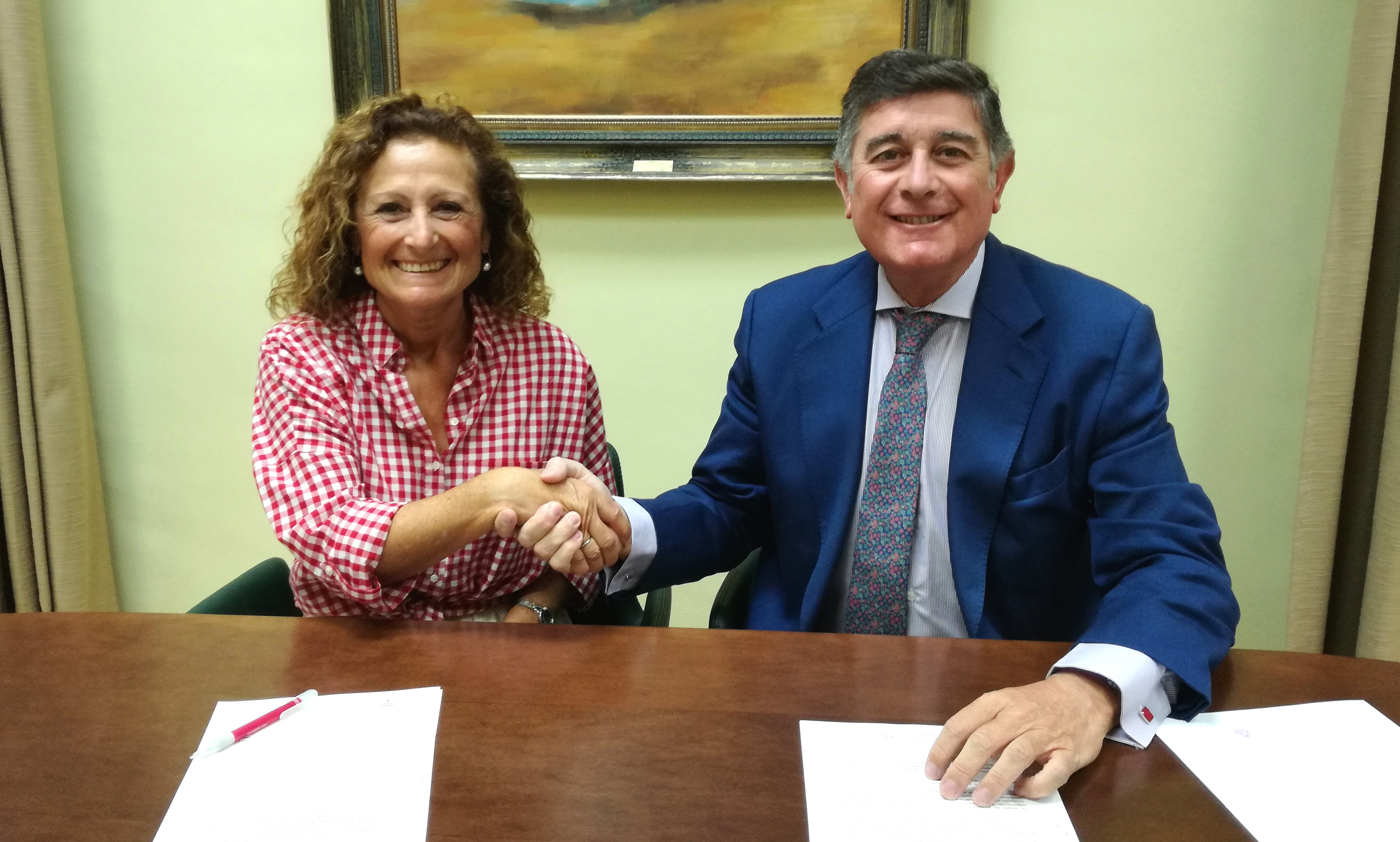 El Colegio de Farmacéuticos de Sevilla se suma a la Red Andaluza de Servicios Sanitarios y Espacios Libres de Humo