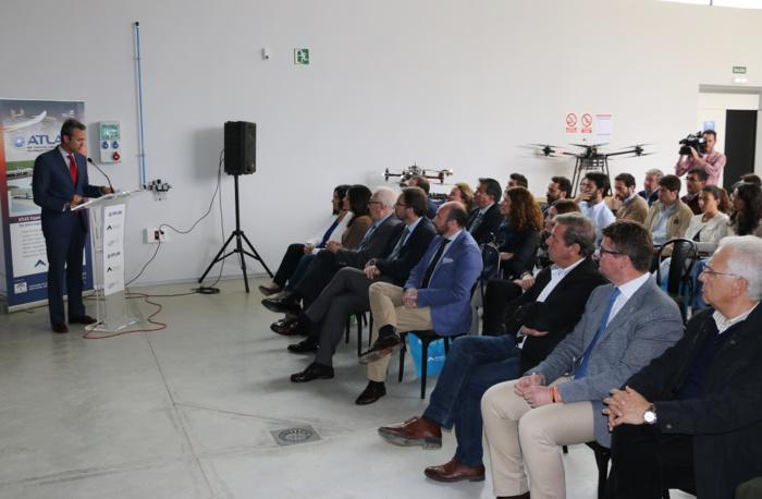 El Centro ATLAS de Jaén acoge una jornada de vuelos con aviones no tripulados para su facilitar su uso en operaciones relacionadas con la extinción de incendios y el transporte de medicamentos