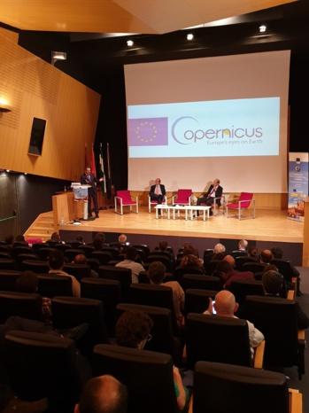 Más de 2.000 ciudadanos han participado en las actividades  del Foro del Espacio de la  Ciudad de Sevilla por la  Semana Mundial del Espacio