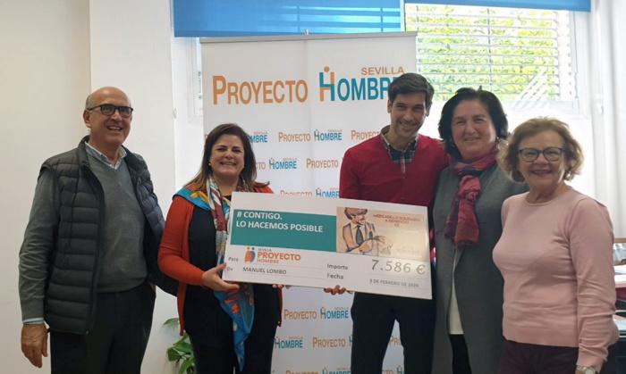 El cantante y artista Manuel Lombo dona más de 7.500 euros para contribuir con la labor social de Proyecto Hombre Sevilla