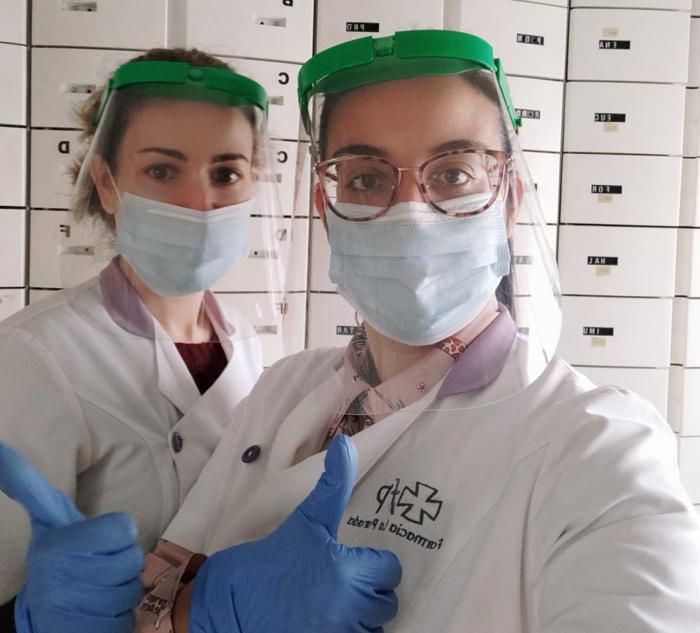 El Colegio de Farmacéuticos de Huelva entrega un millar de máscaras de protección a las farmacias de la provincia