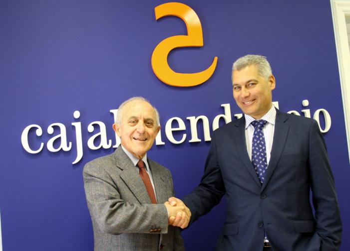 Las pymes andaluzas tienen a su disposición una nueva línea de crédito dotada con 10 millones de euros gracias al convenio suscrito entre Suraval y Caja Almendralejo