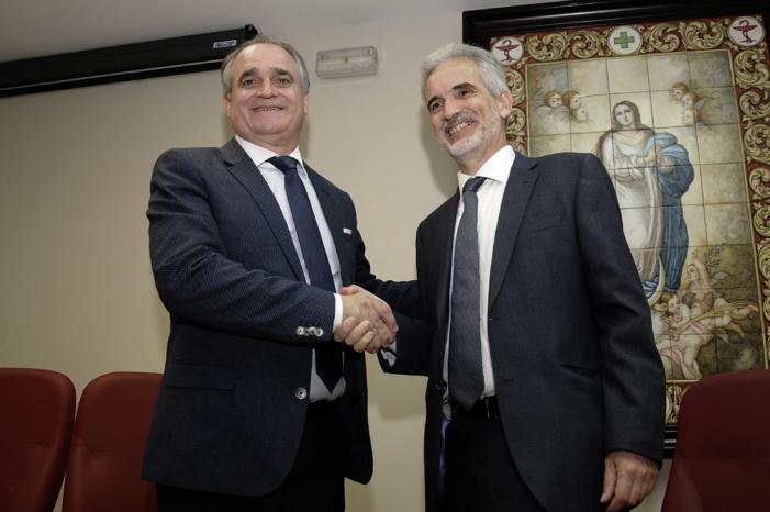 La Consejería de Salud firma un acuerdo con los farmacéuticos andaluces para reforzar el papel de la  farmacia en los nuevos retos del sistema de salud