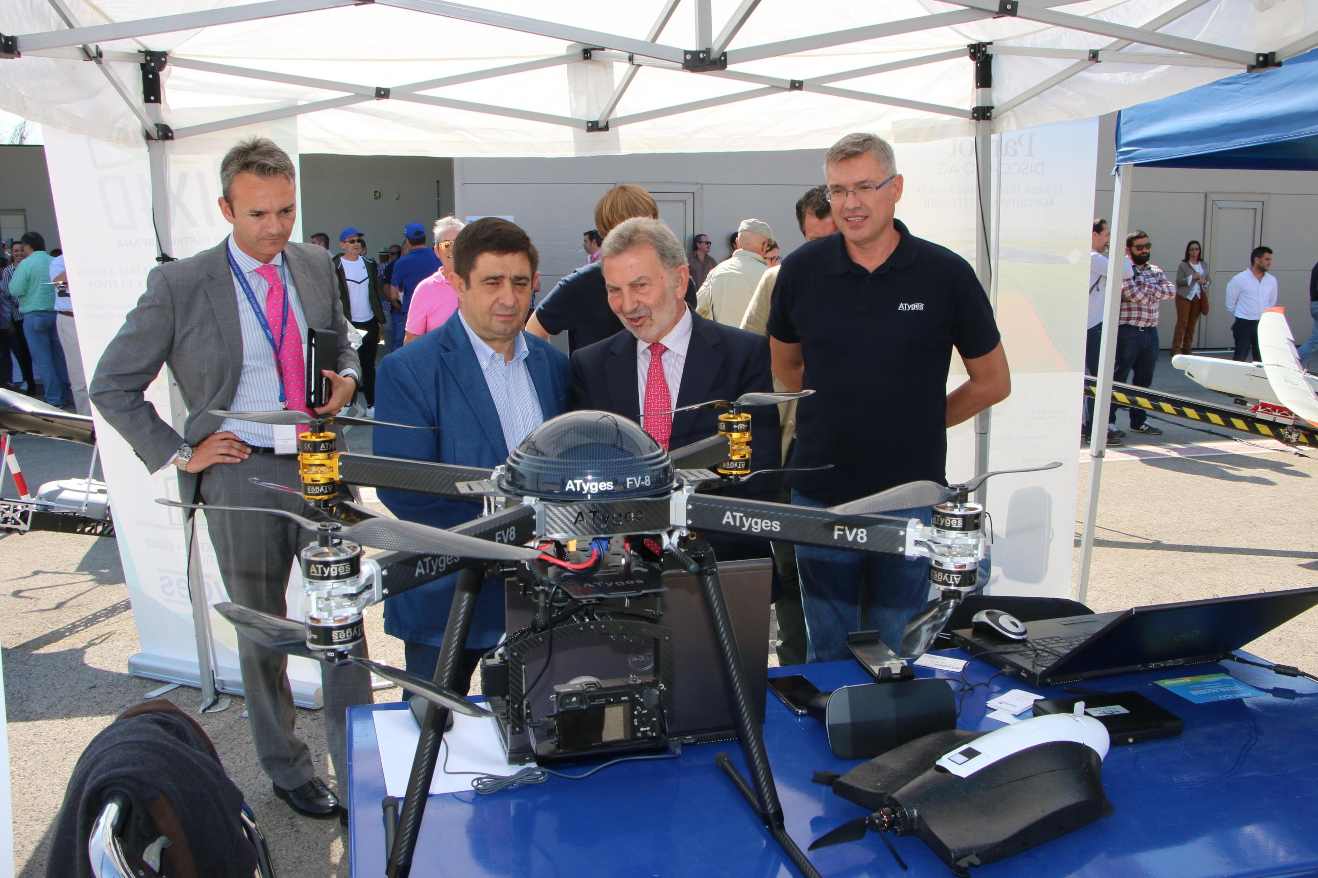 Una jornada de vuelos en el Centro ATLAS de Jaén clausura el Congreso UNVEX ECO-AGRO sobre la aplicación de drones al sector de la agricultura y el medio ambiente