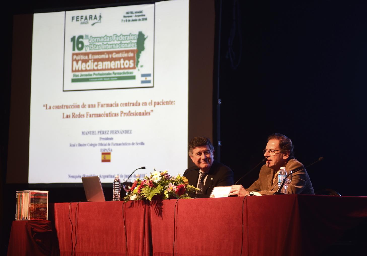 El presidente del Colegio de Farmacéuticos de Sevilla muestra en Argentina los avances de los profesionales sevillanos y andaluces en farmacia asistencial
