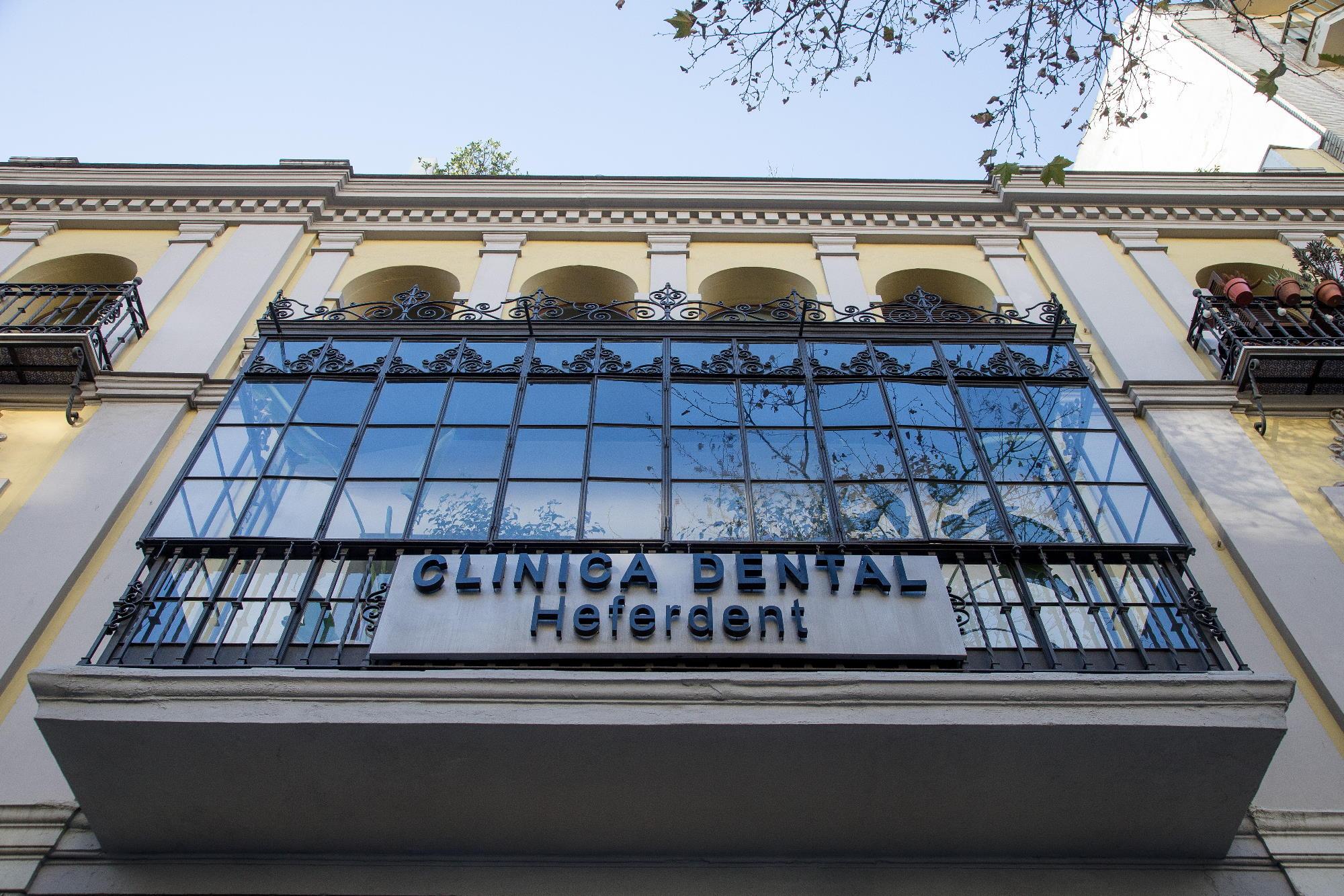 Nota Informativa: Heferdent cumple 30 años con el objetivo de consolidarse como referencia de servicios integrales de odontología y estética en el centro de Sevilla