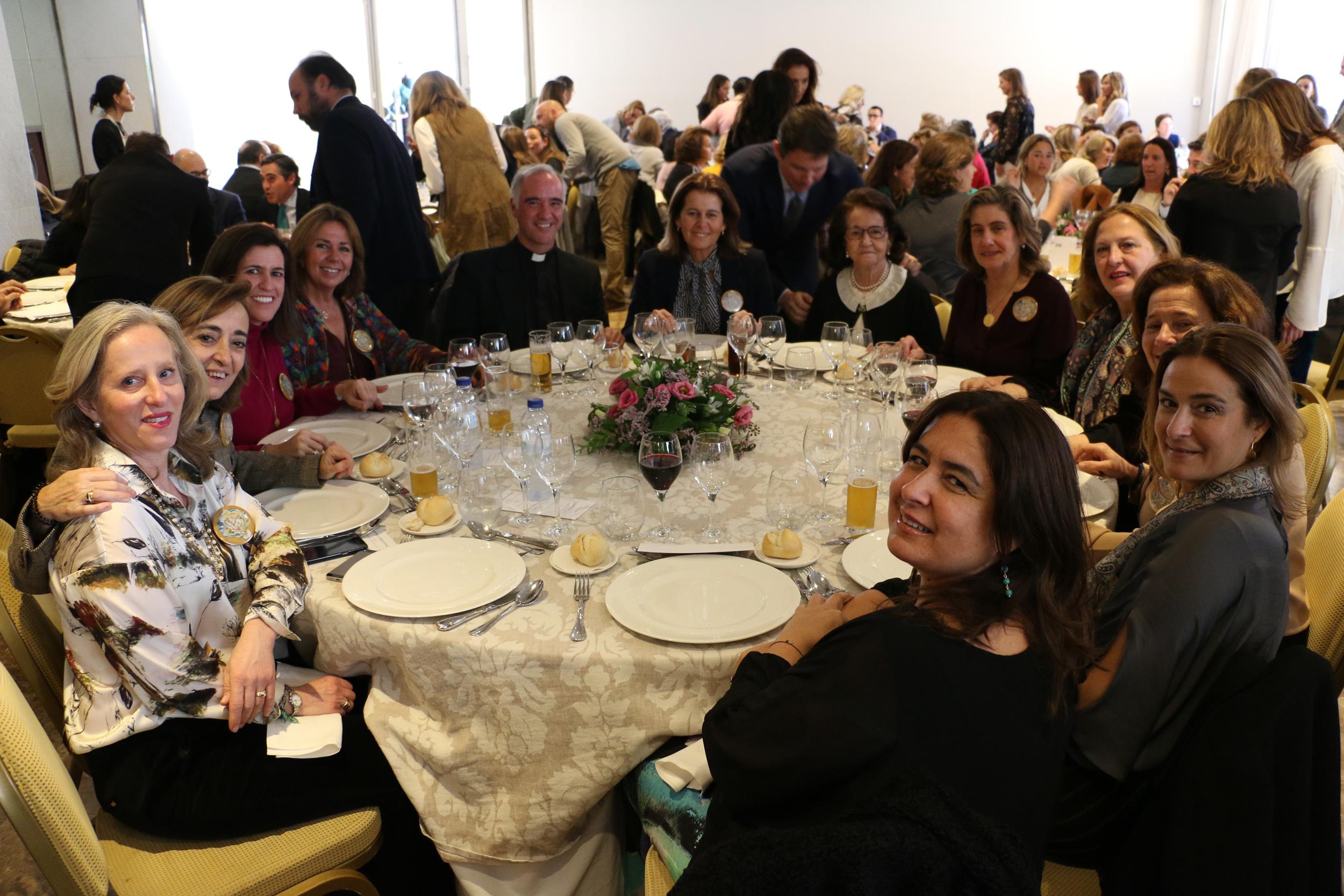 HOMENAJE AL PÁRROCO IGNACIO JIMÉNEZ SÁNCHEZ -DALP EN EL RASTRILLO DE NUEVO FUTURO