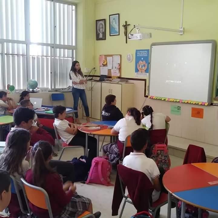 Casi un millar de escolares de Jerez de la Frontera reciben de la mano de farmacéuticos consejos para llevar a cabo una correcta protección solar