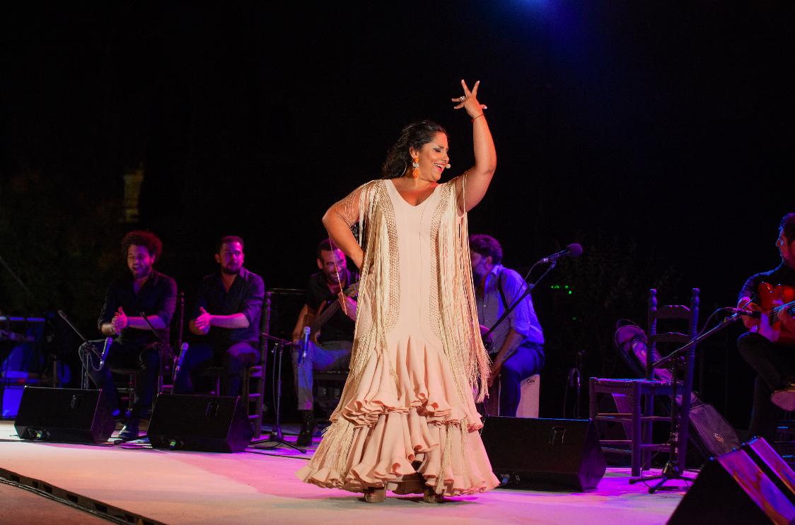Nota de prensa / Fotografías - Felipa del Moreno 'jerezanea' por todo lo alto en el primer 'Viernes Flamenco'