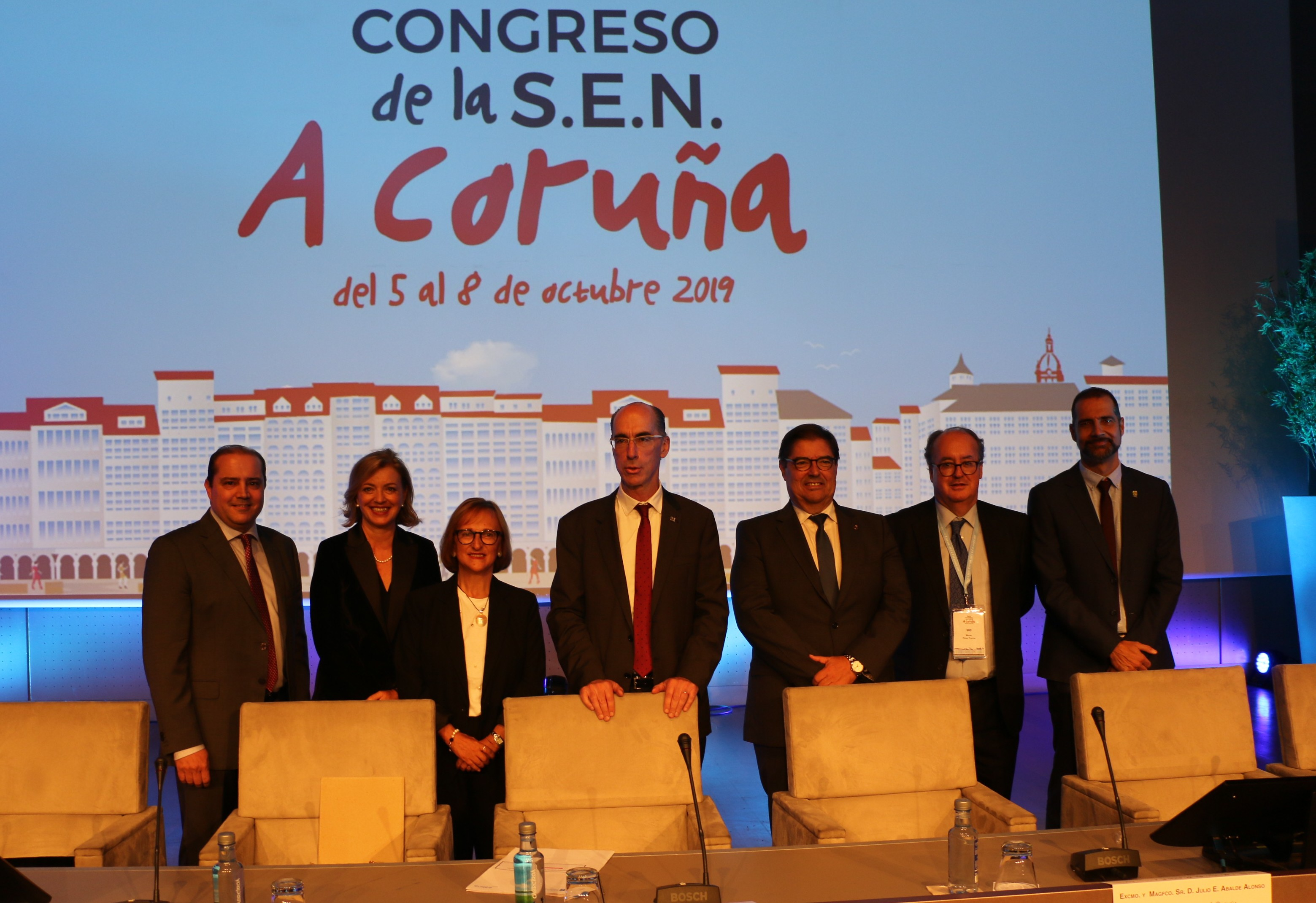El Conselleiro de Sanidad, Jesús Vazquez, inaugura el Congreso Nacional de Nefrología, que reúne a más de 1.000 expertos para abordar los avances y retos para la prevención y tratamiento de la enfermedad renal