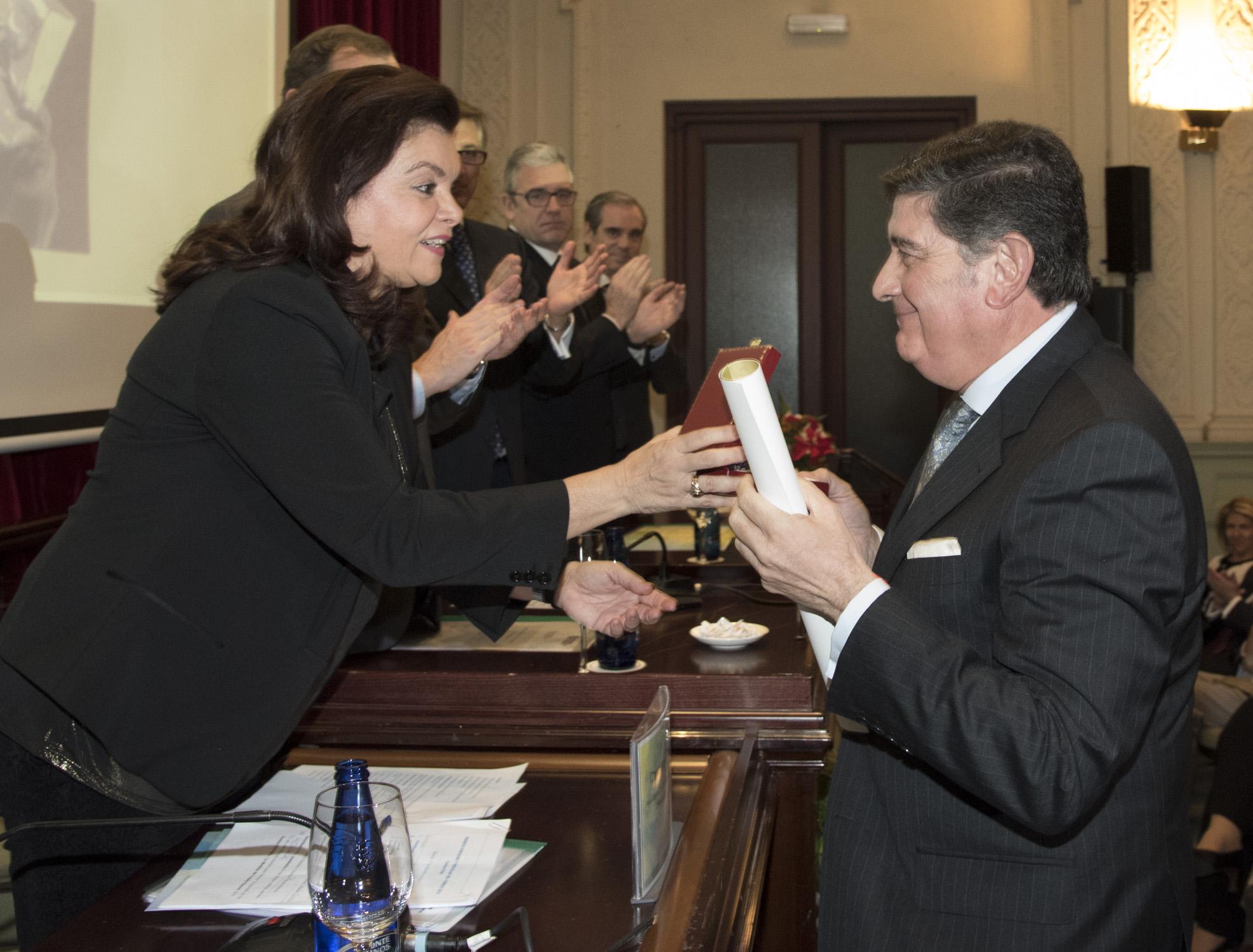 El Consejo General de Farmacéuticos reconoce al Colegio de Sevilla con su máxima distinción por su labor en el campo de las enfermedades raras