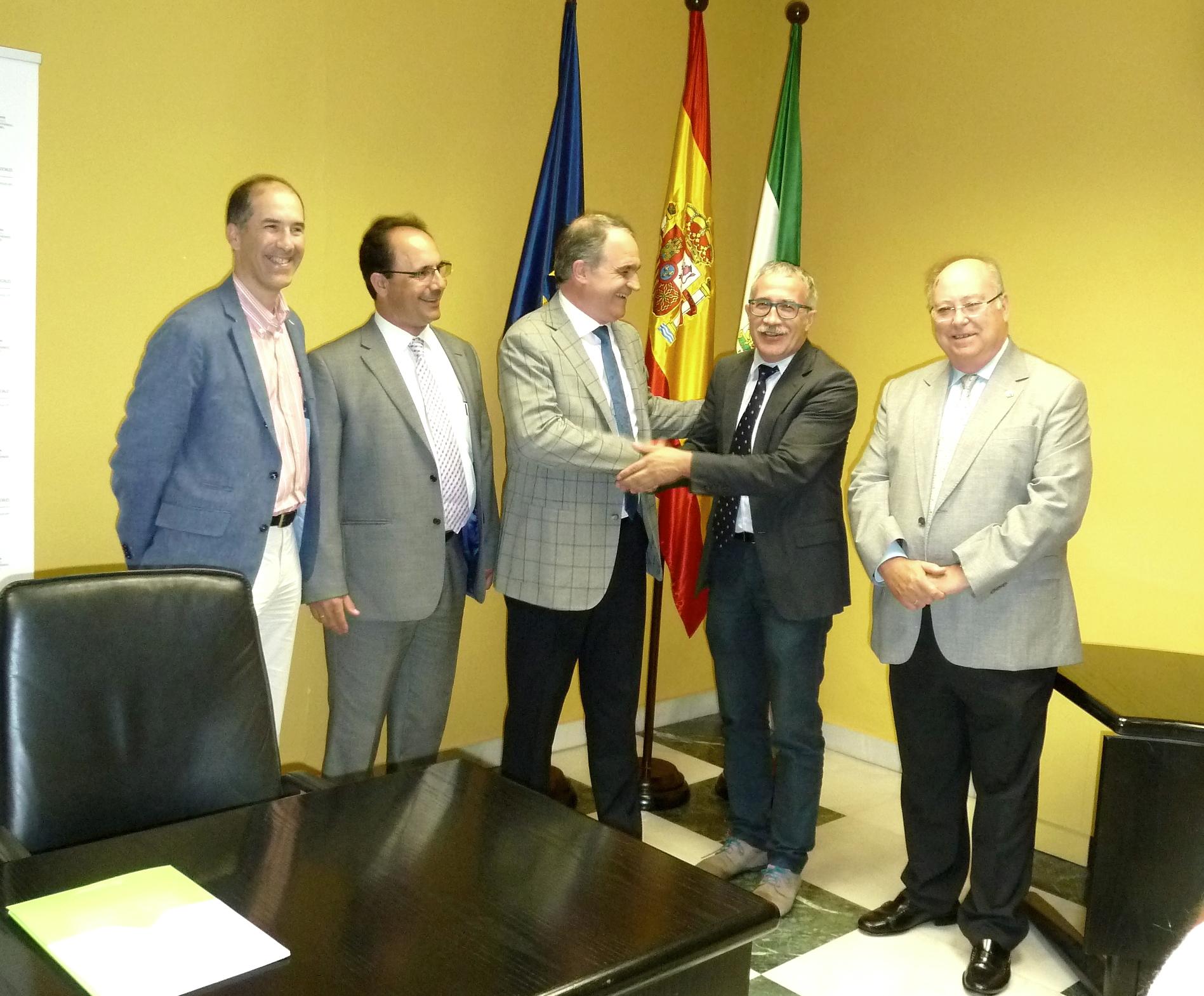 Farmacéuticos y expertos en salud pública colaborarán en el proceso de desarrollo de nuevos servicios de la farmacia andaluza