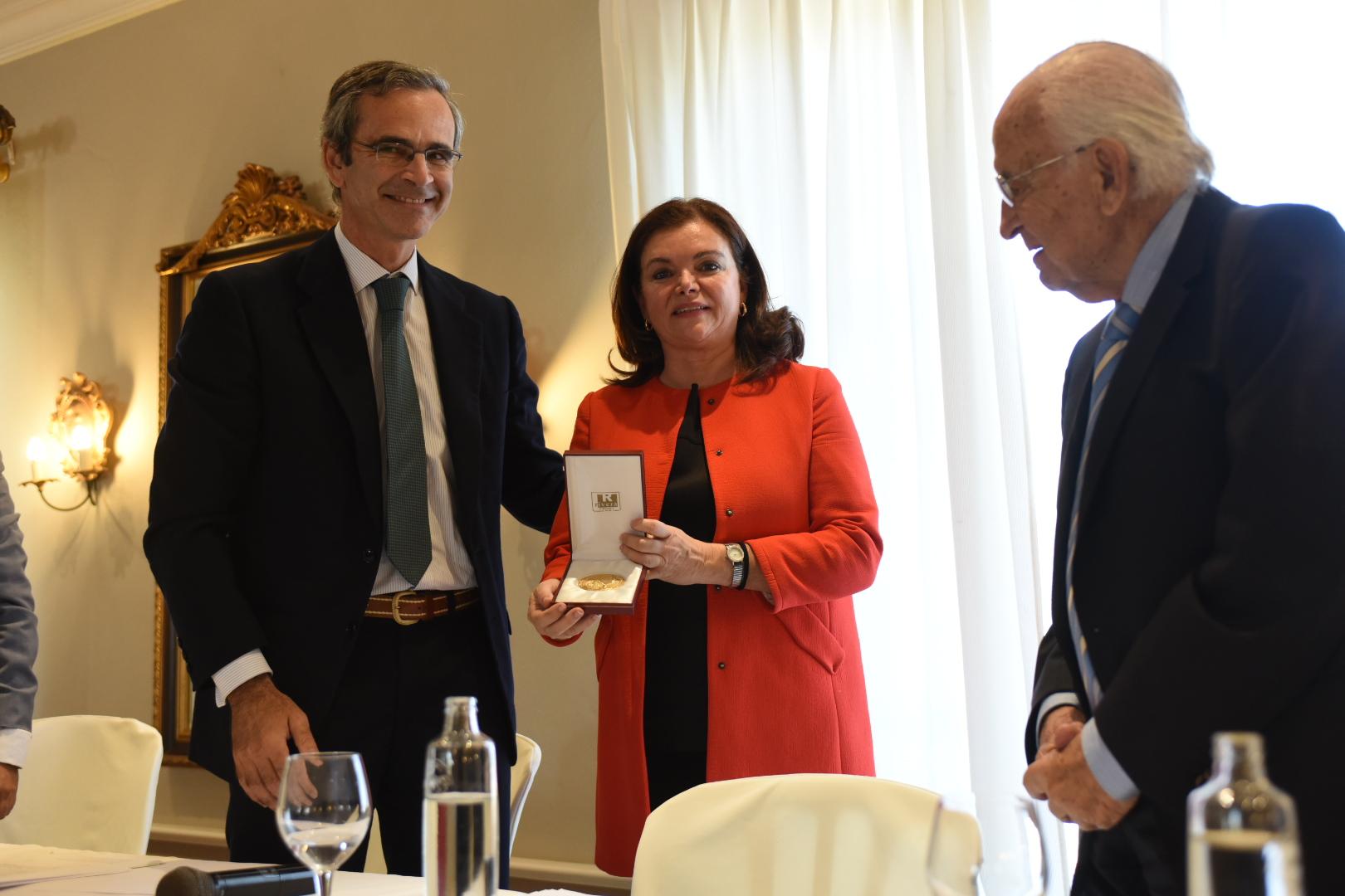 Carmen Peña, presidenta de la Federación Internacional Farmacéutica, presenta en Cádiz su proyecto 'two times two' para la farmacia mundial