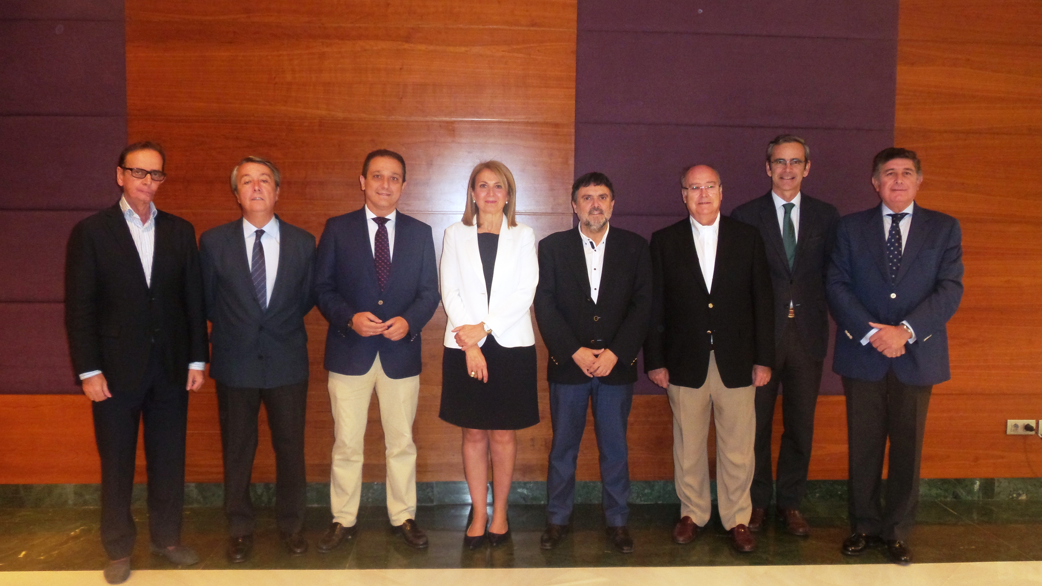 Los Colegios de Farmacéuticos andaluces respaldan la integración de Farmanova y Cecofar en Bidafarma